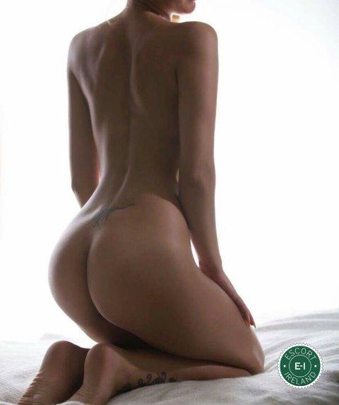 Man gets handjob during erotic massage-4609